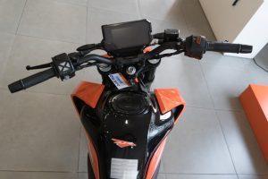 Đồng hồ KTM Duke 390 mới
