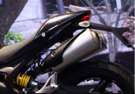 Xe trang bị hệ thống ống xả theo kiểu 2-1-2