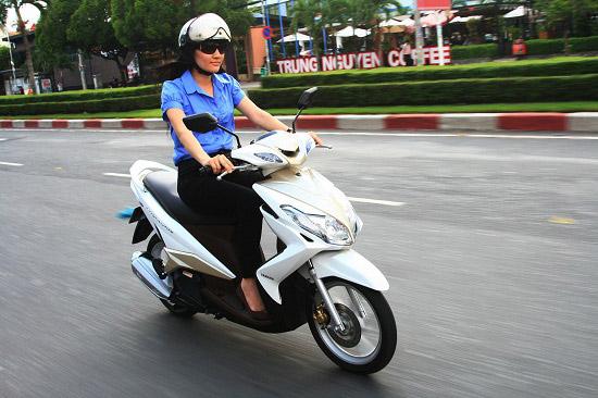 Nếu thích dòng xe Yamaha thì bạn nên cân nhắc xe Luvias