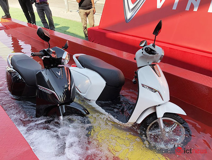 VinFast Klara thử nghiệm khả năng lội nước