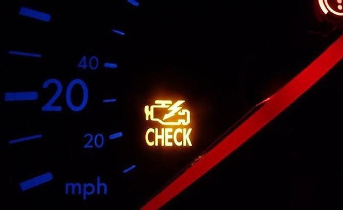 Đèn cảnh báo lỗi động cơ phát sáng trên xe Air Blade