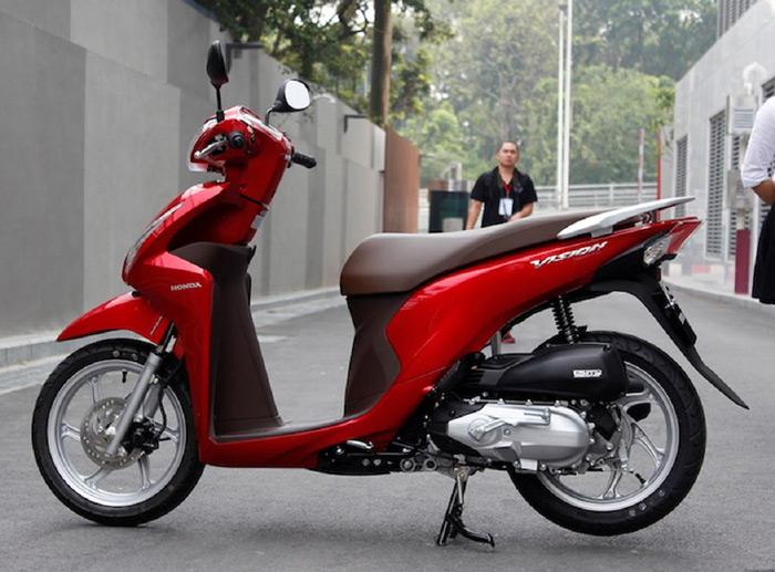 Honda Vision 2014 trông sắc sảo hơn nhờ thay đổi thiết kế đuôi xe
