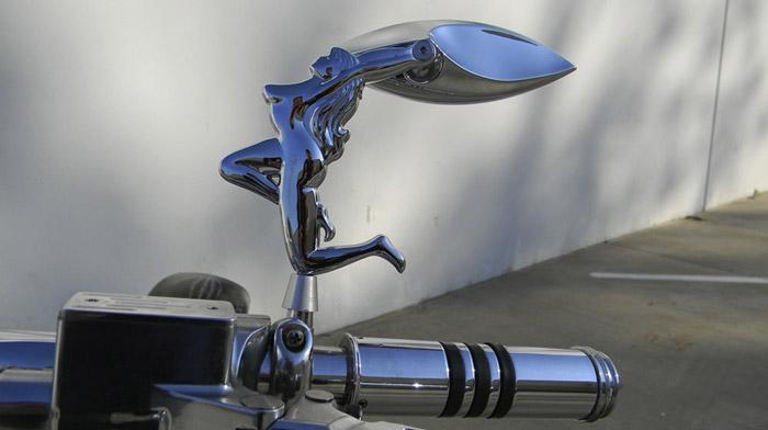 Gương xe máy được thiết kế độc đáo