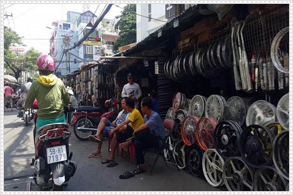 Kinh nghiệm mua phụ tùng xe máy ở chợ Tân Thành