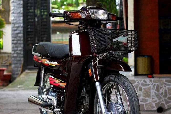 Honda Dream lùn với thiết kế mềm mại