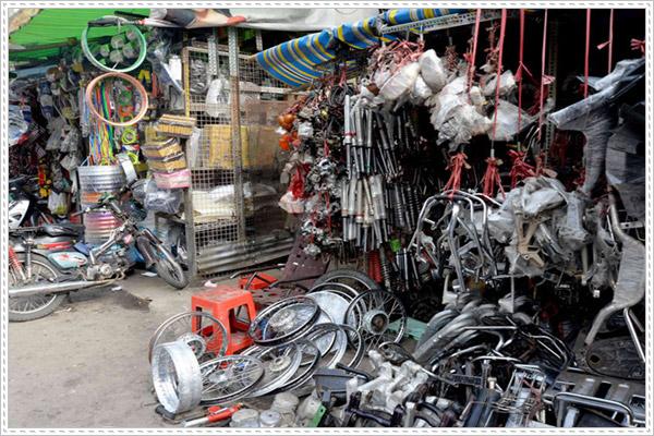 Những lưu ý khi mua phụ tùng xe máy ở chợ Tân Thành
