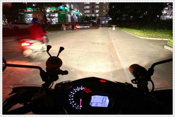 Độ đèn xenon cho xe máy có tốt không?