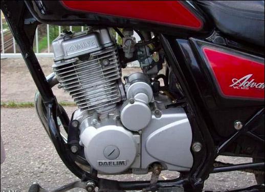 Động cơ 4 thì của Daelim 125