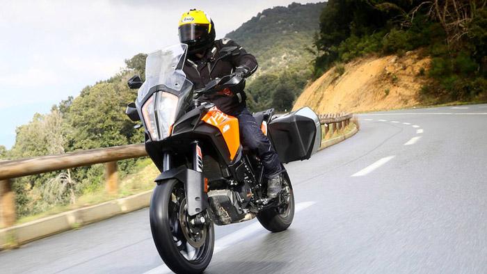 Chiếc xe moto có góc rake lớn