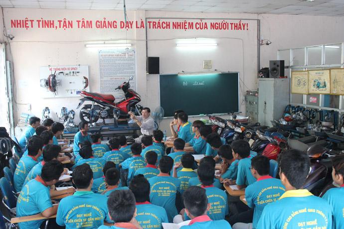 Lớp học của các học viên tại trường CĐ nghề GTVT TW III