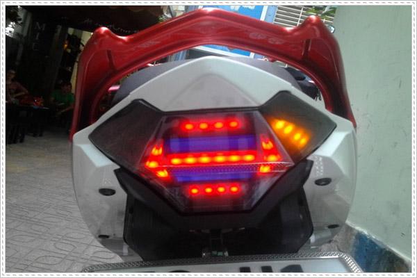 Địa chỉ độ đèn xi nhan xe máy uy tín ở Hà Nội