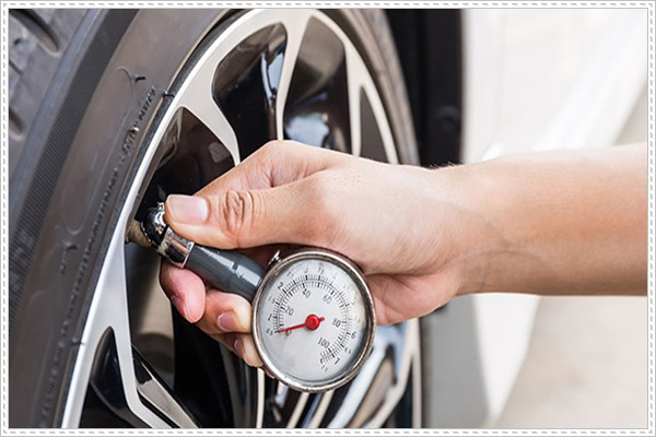 Một vài chú ý khi bơm lốp xe ô tô