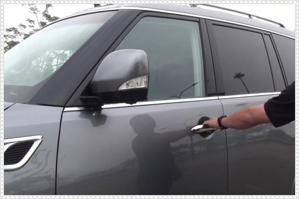 Luôn đóng kín cửa xe để hạn chế chuột vào ô tô