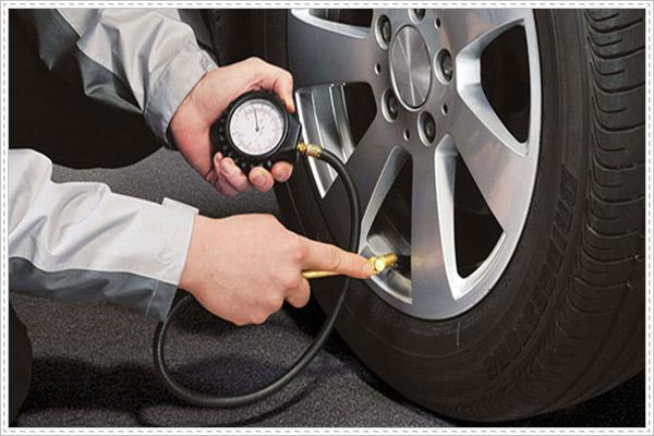 Kinh nghiệm bơm lốp xe ô tô bạn nên biết