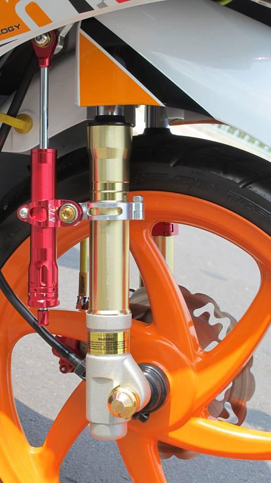 Bộ vỏ phuộc và cây trợ lực KTC trên chiếc xe Vision độ