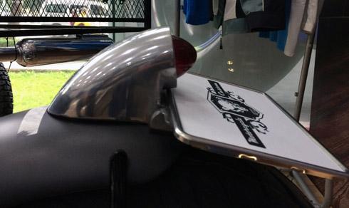 Bóng đèn hậu phía sau xe được thay bóng mới, có thiết kế nhỏ gọn hơn, mang hơi hướng phong cách của một chiếc xe hoài cổ