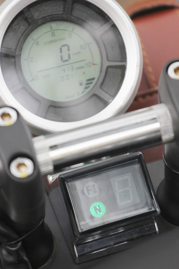 Đồng hồ công tơ mét digital của xe