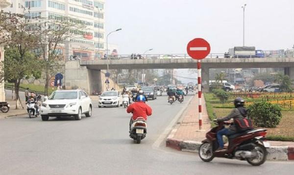 Đi vào đường có biển cấm ngược chiều sẽ bị phạt lỗi đi ngược chiều