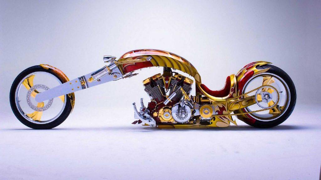 """""""Con báo"""" dũng mãnh Yamaha Roadstar BMS Chopper."""
